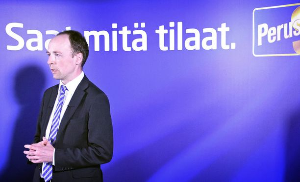 Perussuomalaisten puheenjohtaja Jussi Halla-aho on Laura Huhtasaaren ohella puolueen piirijohtajien suosikki puolueen presidenttiehdokkaaksi.