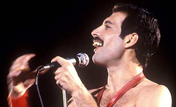 Freddie Mercury peri purentavian luultavasti äidiltään.