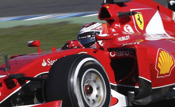 Kimi Räikkönen ottaa taas ensi viikolla tuntumaa ajokkiinsa.