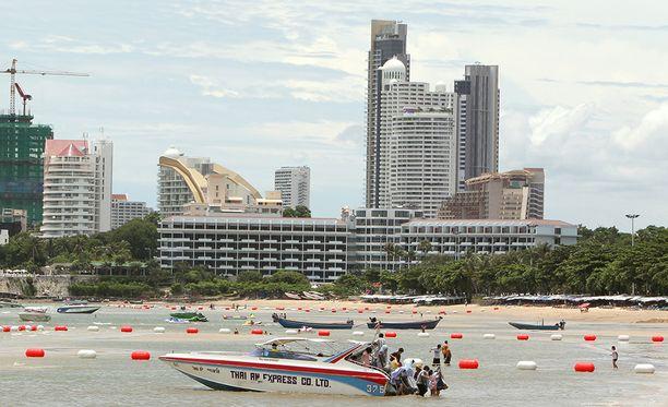 Vain sadan kilometrin päässä Bangkokista sijaitseva Pattaya on vuosikymmenten ajan ollut Thaimaan suosituimpia turistikohteita. Arkistokuva.