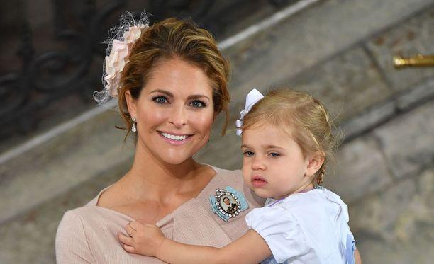 Prinsessa Madeleine haluaa siirtää ruotsalaiset jouluperinteet lapsilleen.