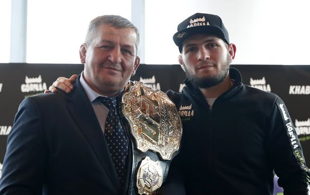 Habib Nurmagomedov kehittyi isänsä alaisuudessa yksi UFC:n tähdistä.