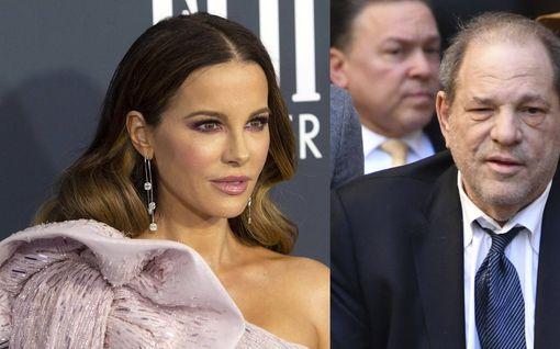 Kate Beckinsalelta hyytävä väite Harvey Weinsteinista – vaati seksikästä pukeutumista ensi-illassa