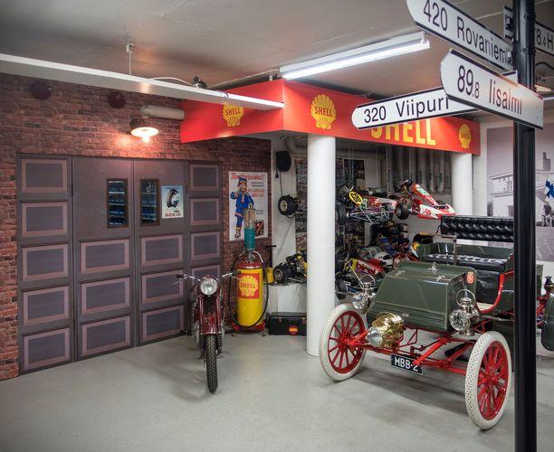 Kuvan auto on Rambler Runabout vuodelta 1902.