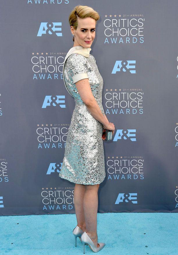 Sarah Paulson on näytellyt muun muassa American Horror Storyssa, josta myös on ehdolla palkinnon saajaksi.