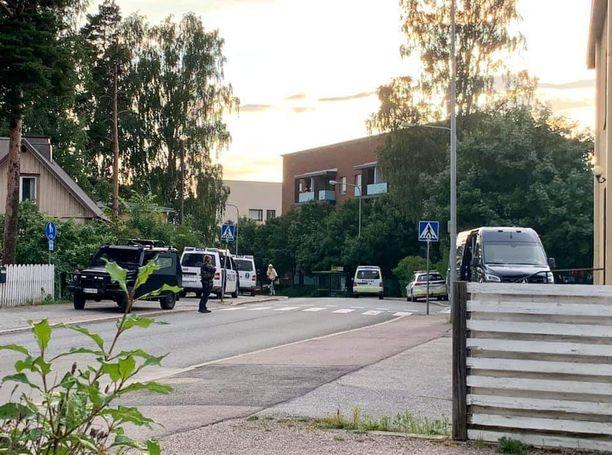 Poliisi sai hälytyksen Tapanilaan kello 20.30 tiistaina.