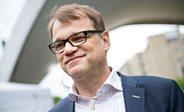 Juha Sipilä vakuuttaa tukevansa Anne Berneriä.