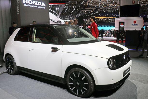 Honda EV - ei vielä ihan tuotantovalmis - on hauskan tai huvittavan näköinen.