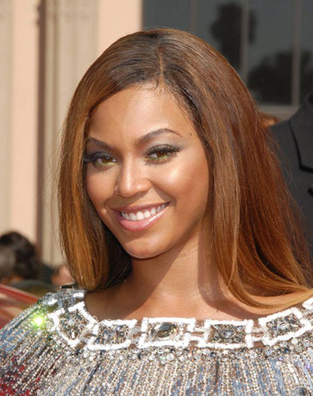 Beyonce sai vuoden parhaan R&B-artistin ja vuoden video -pystit.