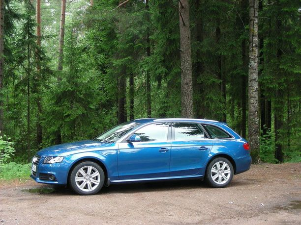 Ensi syksynä uudella mallilla korvautuva nykyinen Audi A4 -malli on pitänyt parhaiten hintatasonsa kymmenen suosituimman automallin joukossa.