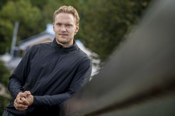Mikko Rantanen pääsi maanantaina kaukaloon testaamaan jalkansa kuntoa.