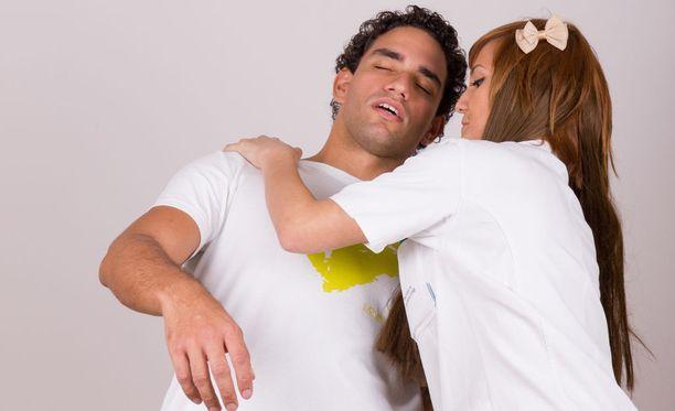 Happikänneistä aiheutuu aivojen hapensaannin väheneminen ja tajunnantason hämärtyminen tai tajunnanmenetys.