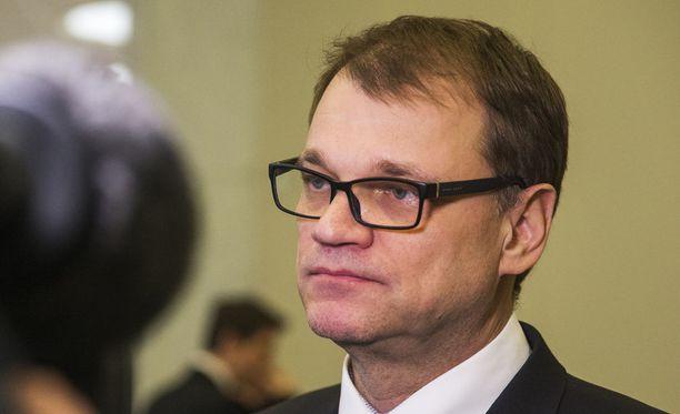 Pääministeri Juha Sipilä keskustelee keskiviikkona työmarkkinakriisistä järjestöjen kanssa.