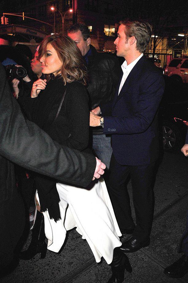 Pariskunta kuvattiin joulukuussa New Yorkissa.