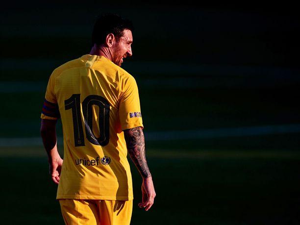 Lionel Messi haukkui jälleen Barcelonan johtoporrasta.