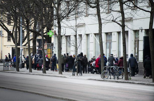 Jono Helsingissä Hurstin Valintaan oli pitkä eräänä joulukuisena jakopäivänä.