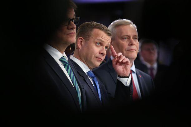 Juha Sipilä, Petteri Orpo ja Antti Rinne: sote-taistelun keskeiset tekijät.