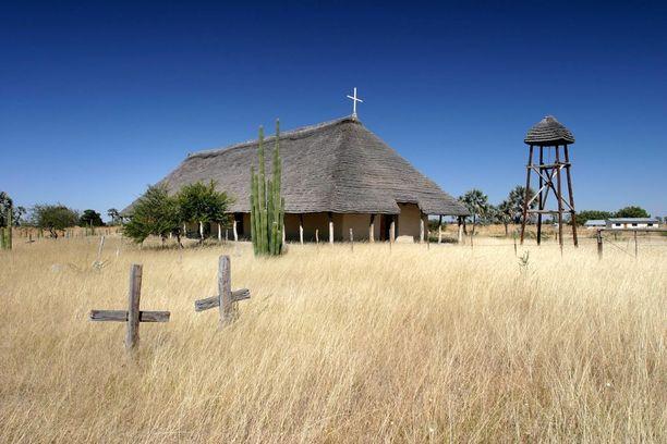 Ambomaan ensimmäinen kirkko löytyy Olukundasta. Se valmistui vuonna 1870.