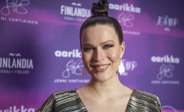 Laulaja Jenni Vartiainen muistetaan kappaleista Duran Duran sekä Malja.