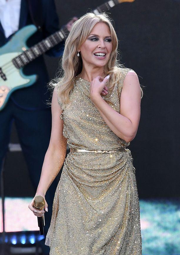 Kylie joutui perumaan esiintymisensä samalla festivaalilla 14 vuotta sitten sairastuttuaan rintasyöpään.