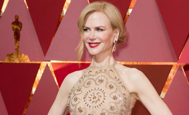 Nicole Kidmanin omalaatuinen taputtamistyyli naurattaa somessa.