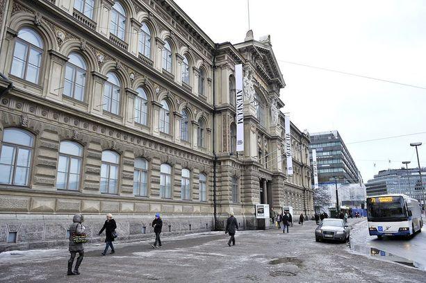 Helsingin Ateneuminkuja sijaitsee Ateneumin taidemuseon takana kaupungin keskustassa.