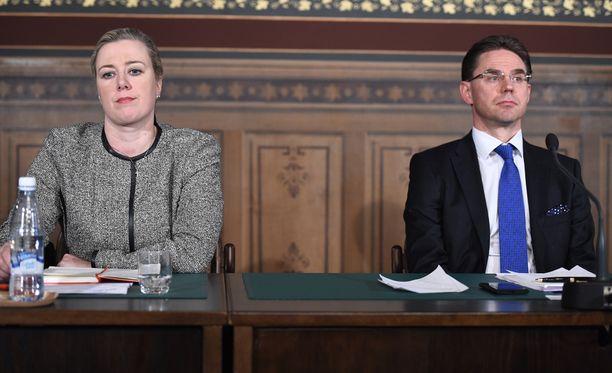 Yhteisöveron alennuksen taustalla olivat silloinen valtiovarainministeri Jutta Urpilainen (sd) ja pääministeri Jyrki Katainen (kok).