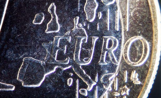 Suomen talouskasvun kerrotaan jäävän jälkeen tänä vuonna kaikista muista euromaista paitsi Italiasta ja Kyproksesta.