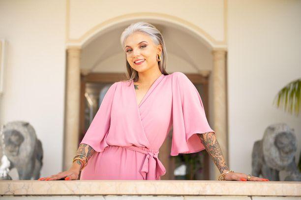 Veronica Verho on noussut radiojuontajasta suosituksi tv-juontajaksi.