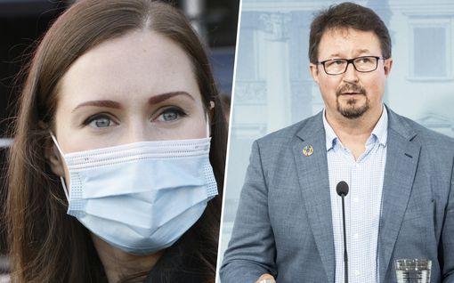 """THL:n Salmisen mukaan päättäjiä piti """"herätellä"""" alkuvuoden koronaepidemiaan – Sanna Marin HS:lle: """"Tällaista minä en muista"""""""