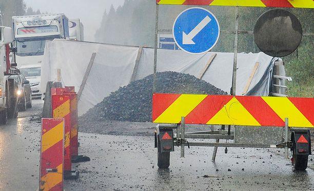 Onnettomuustilanteissa voi aiheutua vaaraa myös liikenteenohjaajille.