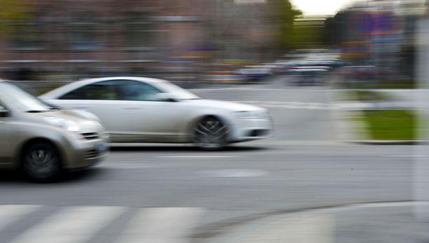 Aggressiivinen ajotapa ei kannata, jos haluaa saada alennuksia.