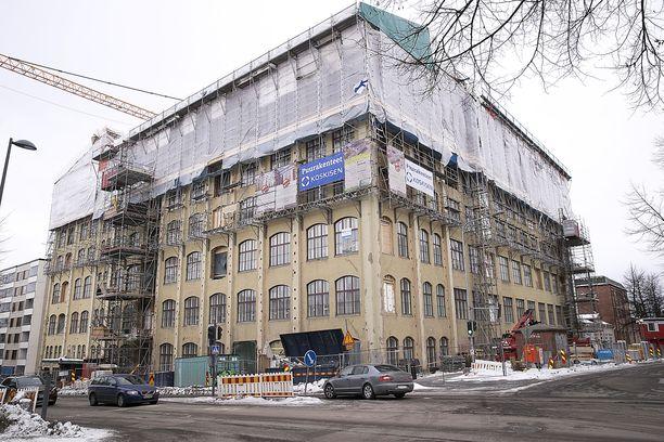 VTS-kodit rakensi maaliskuussa vuokra-asuntoja vuonna 1906 rakennettuun entiseen sukkatehtaaseen. Rakennus on Tampereella Koulukadun ja Satamakadun kulmassa.