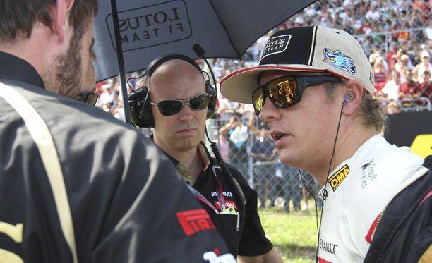 Kimi Räikkönen kilpailee Lotuksella - ainakin tämän kauden.