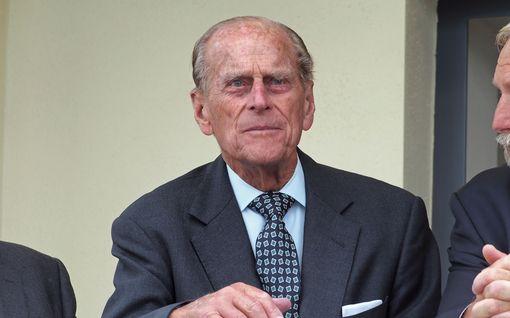 Prinssi Philipin kolarin yllättävä seuraus: vanhukset luopuvat ajokorteistaan