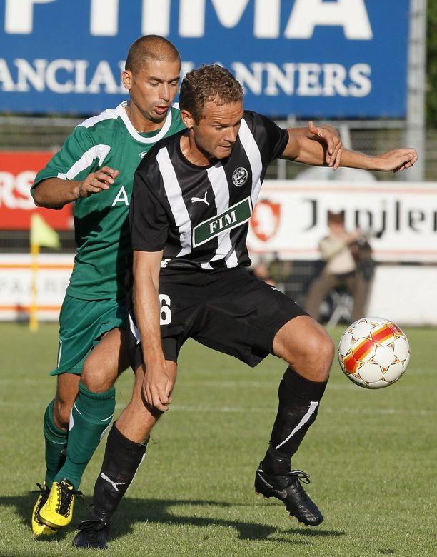 Jonatan Johansson päätti peliuransa TPS:ssa 2010.