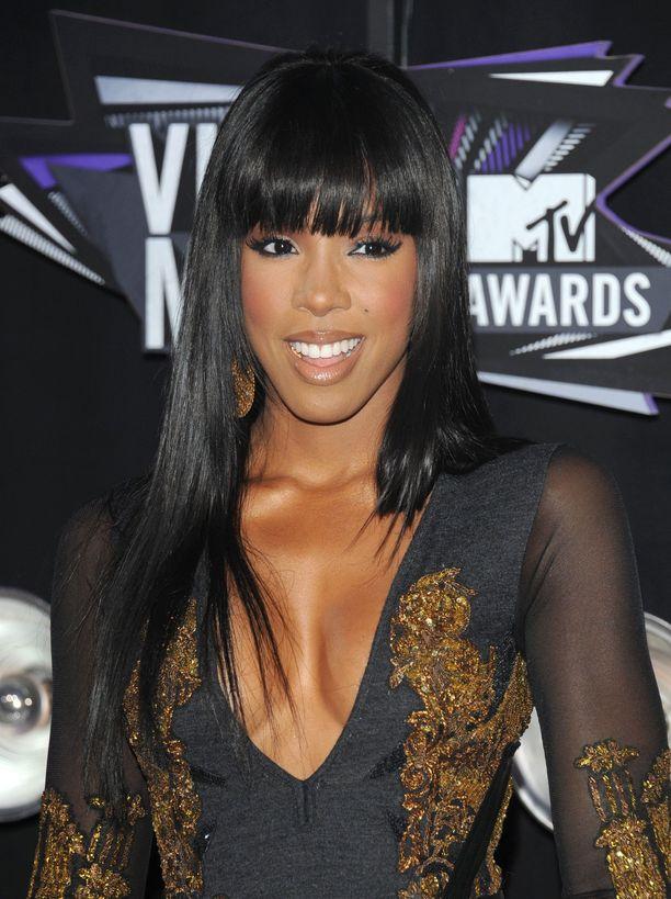 Kelly Rowlandin otsatukka on reilusti pitkä.
