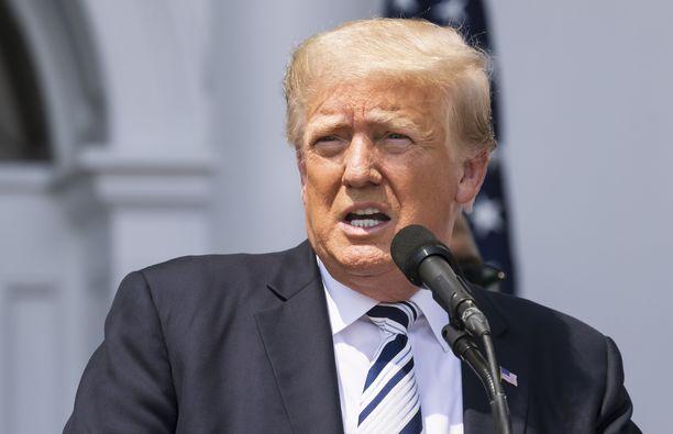 Donald Trump on kyselyjen perusteella edelleen ylivoimaisesti suosituin poliittinen hahmo republikaanien keskuudessa.