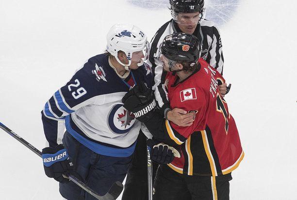 Patrik Laine pelasi Winnipeg Jetsin kakkosketjussa.