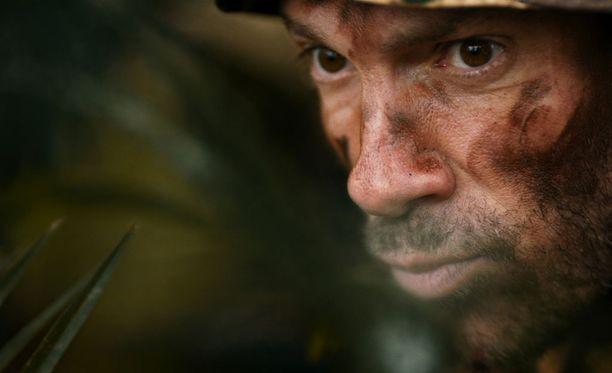 Ohjelmassa kuuullaan myös, kuinka SAS-sotilas piiloutuu viidakossa.