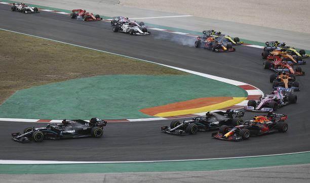 Mercedes on viihtynyt F1-sarjan kärkipaikalla vuosia.