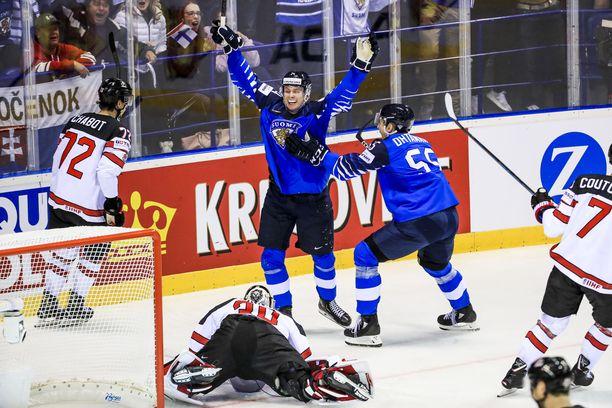 Siitä ei ole epäilystäkään - nuori Kaapo Kakko on ollut MM-kisojen puhutuin jääkiekkoilija.