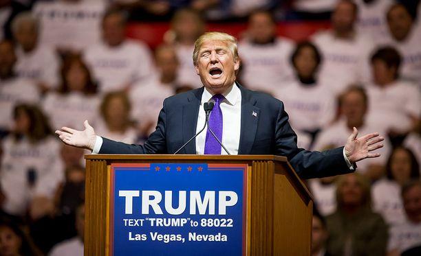 Donald Trump kampanjatilaisuudessaan Las Vegasissa.