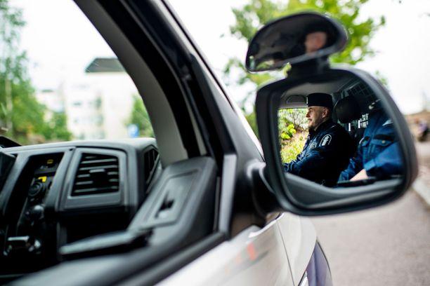 Poliisi tutkii henkirikosta Kurikassa. Kuvituskuva.