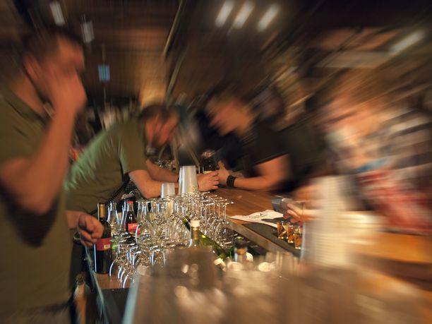 Alkoholin liikakäyttöä on erityisesti Euroopassa ja Amerikoissa.