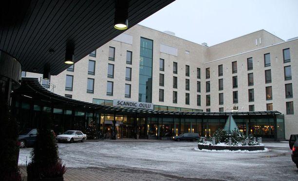 Raiskaukset tapahtuivat oululaisen hotellin huoneessa.