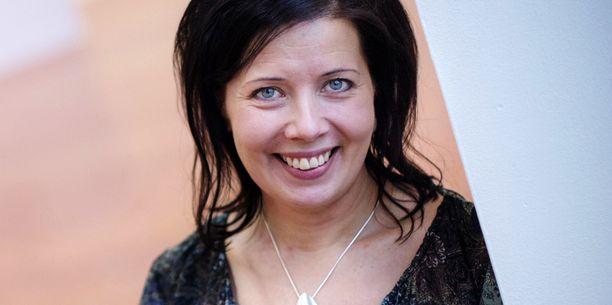 Journalistiliiton puheenjohtaja Hanne Ahoon huolissaan siitä, että verottajan päätös salata tietoja leviää muihinkin viranomaisiin.