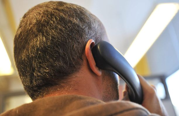 Puhelinmyynnissä on yhä joitain isoja ongelmia.