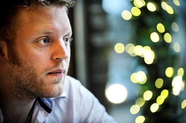 BURN OUT Koop Arponen paloi loppuun Idols-pyörityksen aikana. Paussin myötä hän lähti myös levy-yhtiöstä.