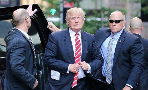 Salainen palvelu pyysi lisää rahaa, koska Trumpin elämäntyyli tulee niin kalliiksi suojelijoille.